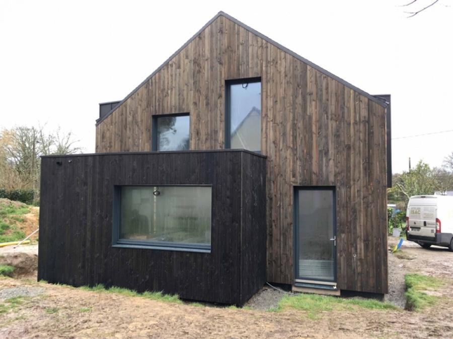 Une nouvelle maison a pouss suc sur erdre for Construction bois 71